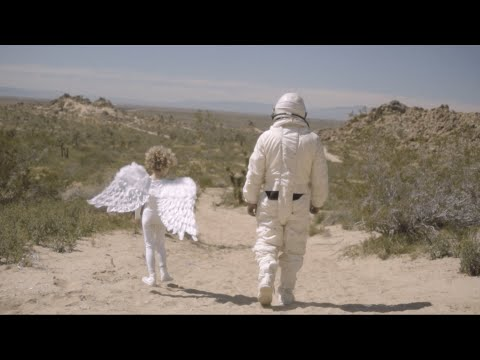 Download Beach House - Girl Of The Year Mp4 baru