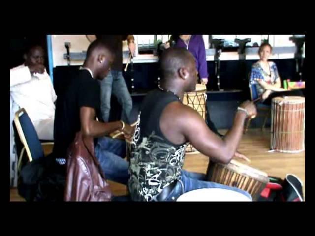 Sidiki Dembélé Djembefola & Yahael Camara Dounounfola