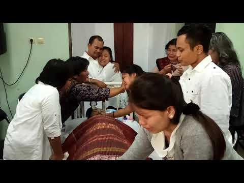 Gogo Peserta Indonesian Idol Bersedih Atas Meninggalnya Ibunda Nya Tercinta