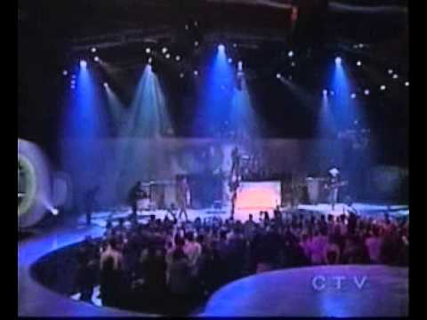 Nickelback- How You Remind Me (Live Junos 2002)