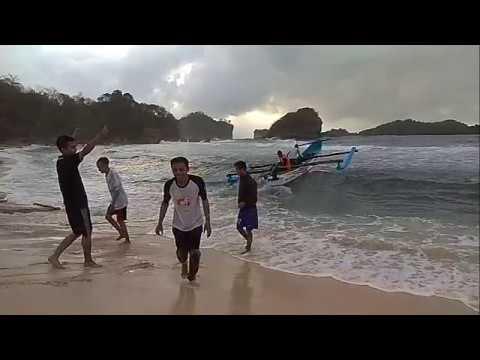 Pantai Peh Pulo Blitar 2018 #pbiunublitar
