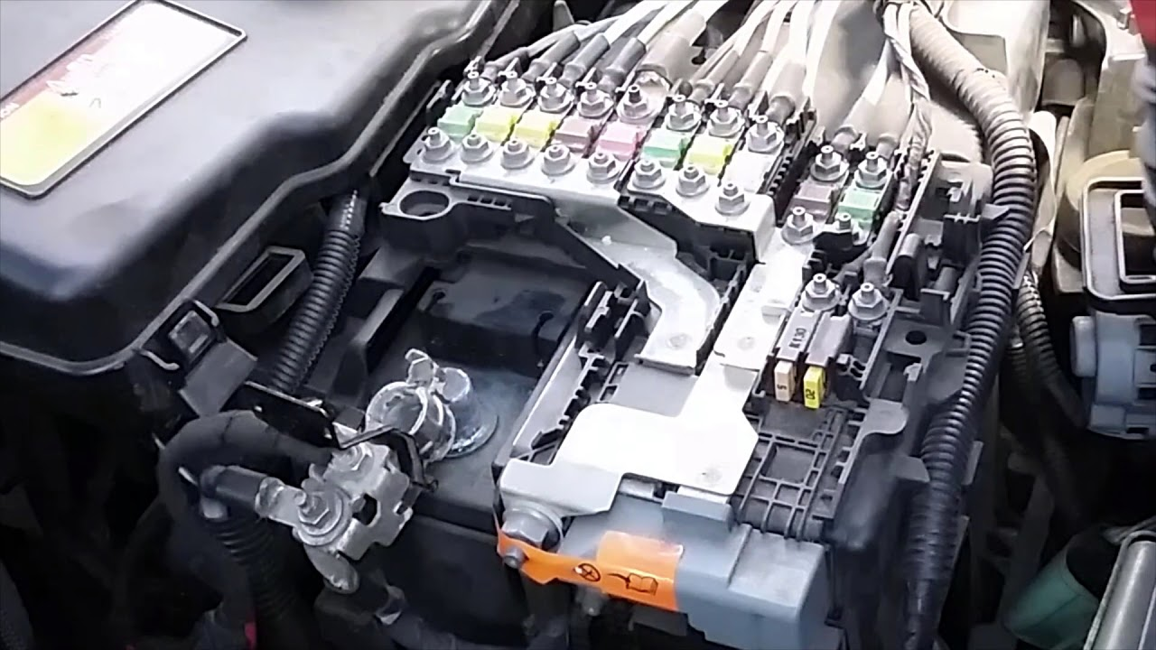 how to remove battery and fuse box peugeot 508 [ 1280 x 720 Pixel ]