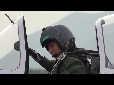 【かっこいい 女性パイロット】航空自衛隊 芦屋基地航空祭 T-7 初等練習機 エンジン・スタート / JASDF Woman's pilot at ASHIYA AIR BASE AIR SHOW