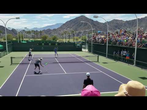 Novak Djokovic warming up before he plays Nick Kyrgios