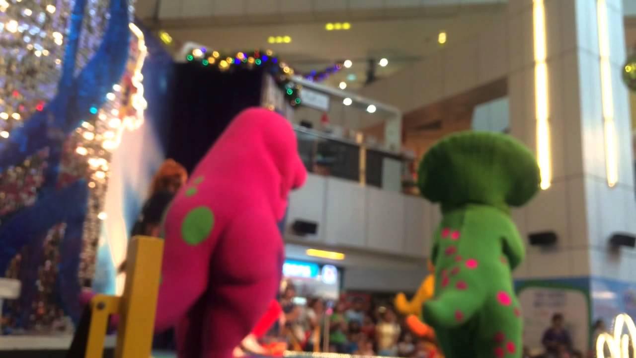 Barney & Friends In United Square