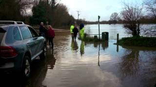 Yalding Lees 2013 Flood (Christmas Eve)