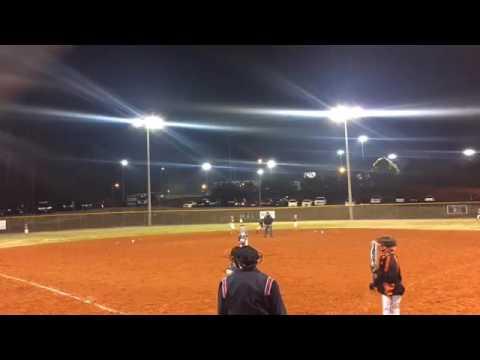Triple Crown Slugfest 10U Tournament:   643 Cougars vs Giants Baseball Bracket Play