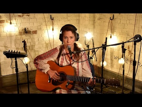 Lou Rhodes performs the beautiful Sea Organ in the 6 Music Live Room.