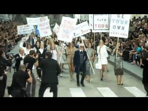 Карл Лагерфельд превратил показ Chanel в марш протеста (новости) Http://9kommentariev.ru/
