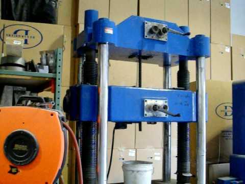riehle universal testing machine