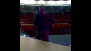 Ростислав Хаит на репетиции перед спектаклем