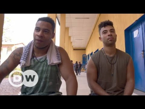 Megaloh - deutscher Rapper in Afrika | DW Deutsch
