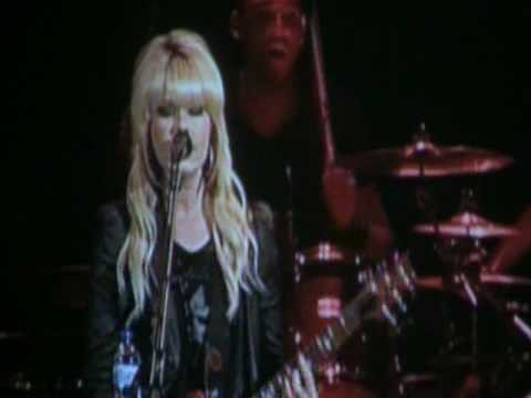 Orianthi - Shut Up & Kiss Me.Live in Chicago 5.2010