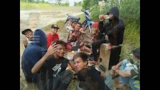 Beda Dan Rasta Rasta - Anjar Ox's  (coverAnimasi)