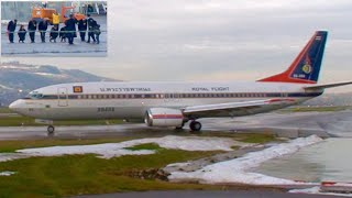 Thailand's king rama x maha vajiralongkorn visited switzerland in december 2010 together with his (former) family. they are seen boarding the aircraft of the...