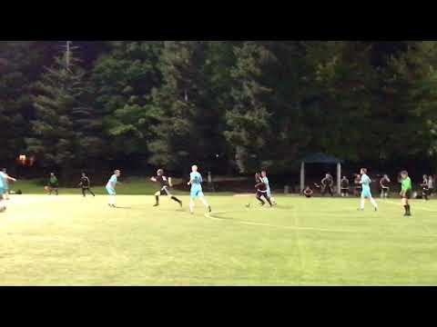 Turn Verein v Sac United Scottie Great Ball v Ryan Hatfield Great Defense