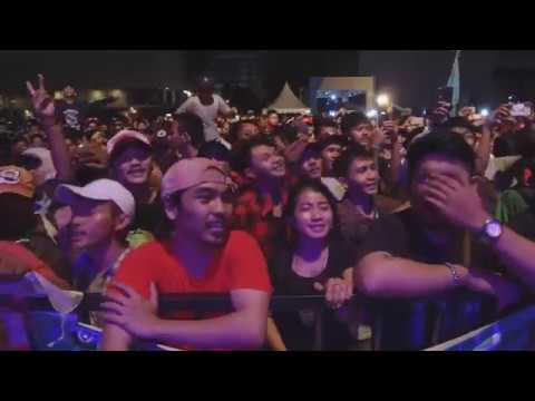 CGV Ft BASTIAN COZY REPUBLIC - HITAM PUTIH (Live Jakarta Reggae Movement 2017)