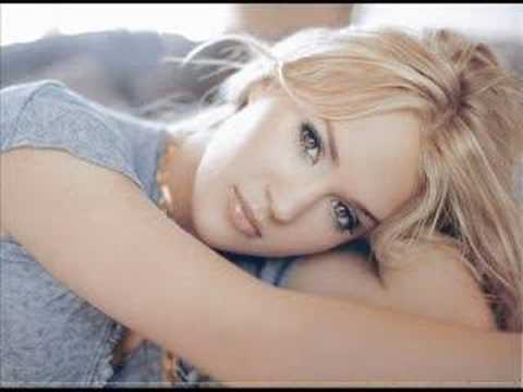 Carrie Underwood- Flat On The Floor
