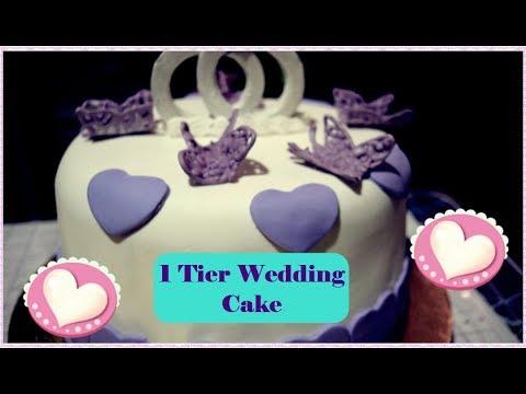 1-tier-wedding-cake-and-cupcakes