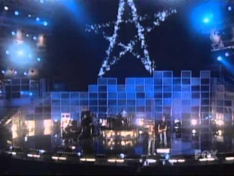 Avril Lavigne - Sk8er Boi [Partial] & Complicated live @ Billboard Music Awards [12.10.2002]