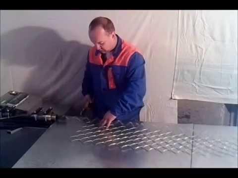 станок для плетения сетки рабица.wmv