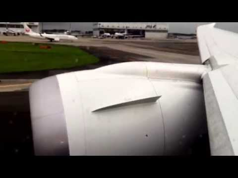 United 787-9 GEnx BusinessFirst Takeoff NRT-LAX - Great Engine Noise, Wing Flex and Condensation!