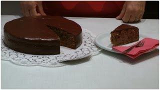 Rezept: Rotweinkuchen backen und mit Kuvertüre überziehen