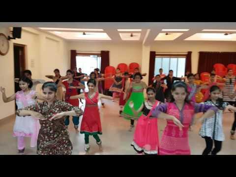 "Workshop conducted by Guru. Mrs. Vaishali Dudhe on the topic of "" Miraculous  Gatnikas"""