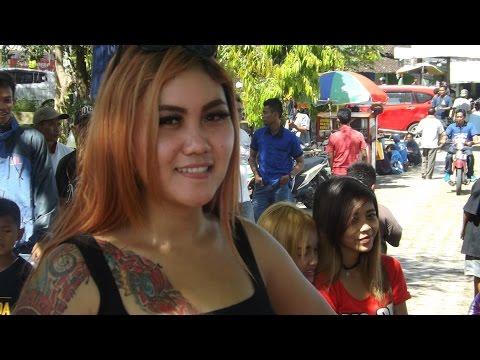 Miss Phia Juri Lomba Burung Yang Cantik Bertatto di Opening JKBC Jimbung Klaten