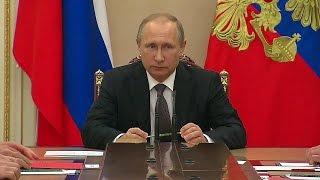 Дополнительные меры безопасности в Крыму обсуждались на оперативном совещании В.Путина.
