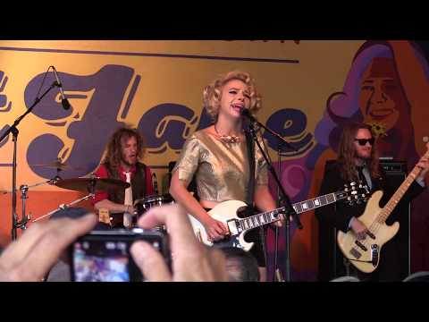 Samantha Fish  Chills And Fever  Street Faire, Louisville, CO  71318