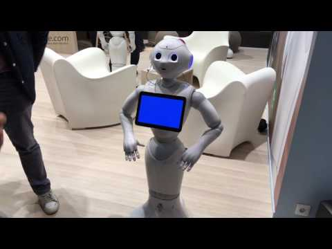 Pepper robot introduces itself at Innorobo 2016