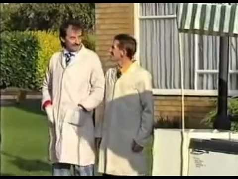 ChuckleVision - Men In White Coats - Part 1 - YouTube