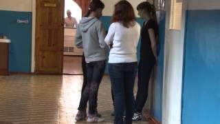 видео Почему подростки уходят из дома?