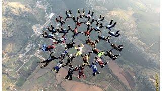 Havada 30 kişi biraraya gelerek Türkiye rekoru kırdılar