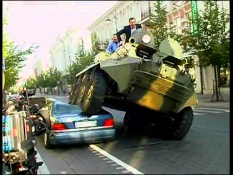 Mayor of Vilnius crushes Mercedes with a tank