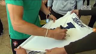بالفيديو.. ردة فعل رونالدو على طلب توقيعه على قميص ريال مدريد - صحيفة صدى الالكترونية