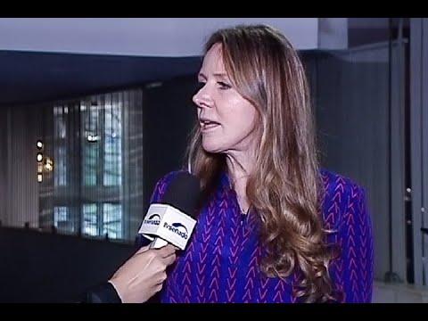 Vanessa Grazziotin destaca importância de debate sobre violência contra mulher