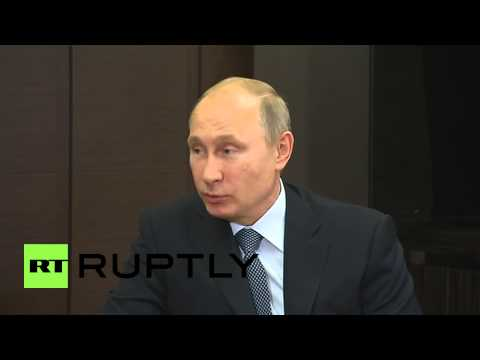 Russia: Putin welcomes Total CEO to Russia