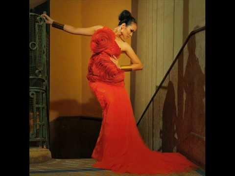 Vương Thu Phương đẹp lộng lẫy cực kỳ hấp dẫn