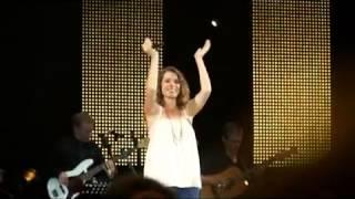 Emma Daumas chante contre le cancer !