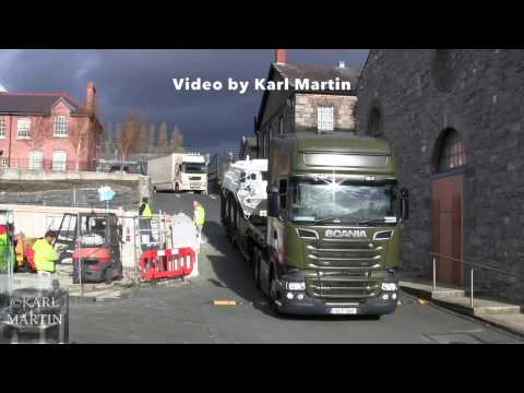 Irish Army Scania R560 V8 tractor unit in action