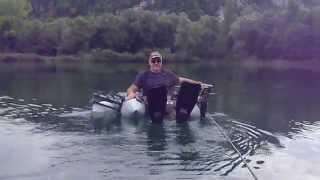 float tube avec moteur électrique