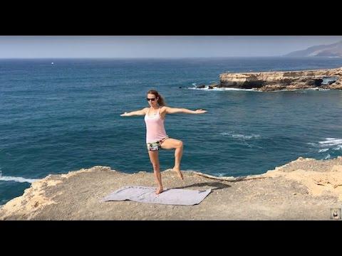 JOGA – ćwiczenia na szczupłe nogi i płaski brzuch