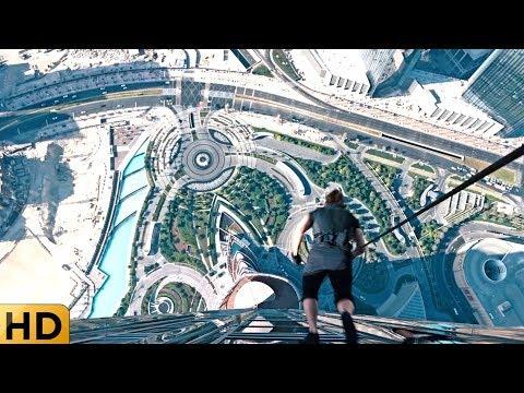 Итан Хант прыгает из окна Бурдж-Халифа на тросе. Миссия невыполнима: Протокол Фантом.