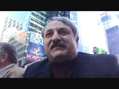 Bruce Baumgartner at the USA v Russia dual in Times Square