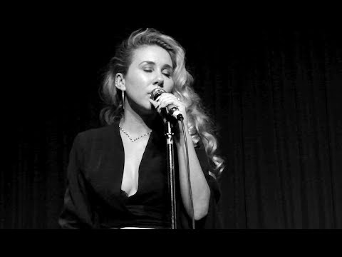 "Haley Reinhart ""Love Is Worth Fighting For"" Hotel Cafe 2018"