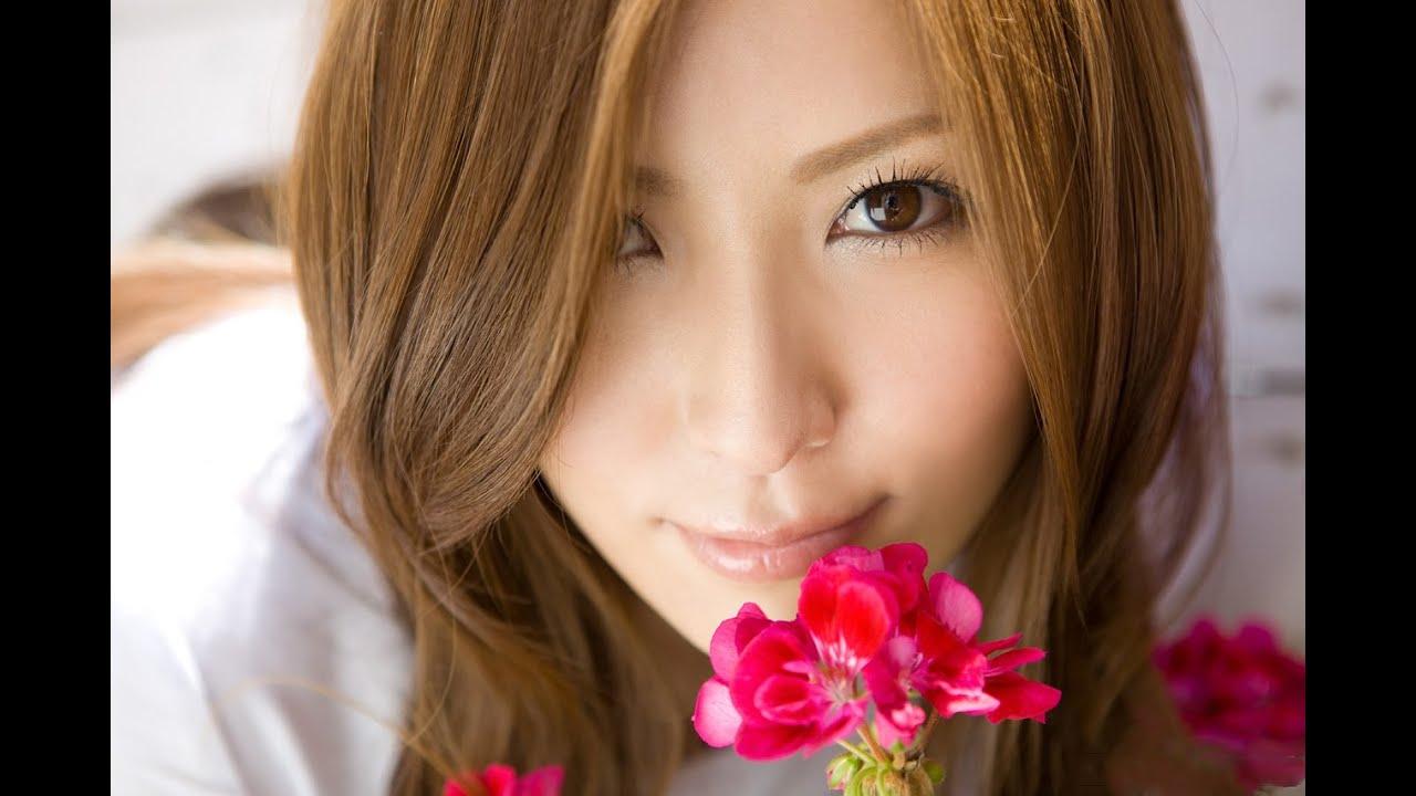 Yuna Shiina ist heiße japanische Lehrerin mit perfektem Körper