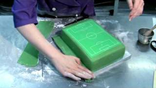 How to make a football pitch cake