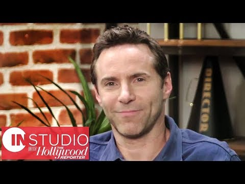 "'Disobedience' Star Alessandro Nivola on ""Burden of Responsibility"" With Role 